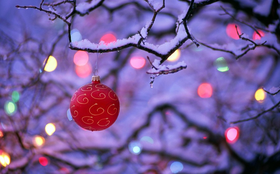 Freegreatpicture Com 31126 Colorful Christmas Ornaments
